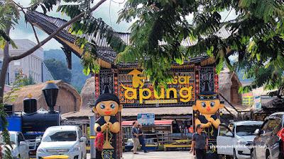 Pasar Apung di Museum Angkut Batu.