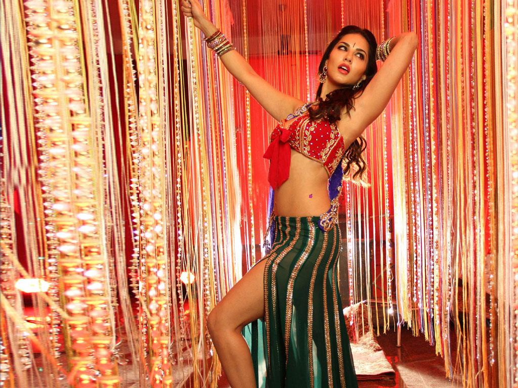 Sunny Leone Bollywood Actress Latest Images - Sab Ka Mann-5338