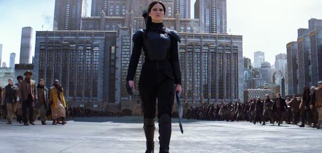 Katniss Everdeen şi prieteni ei, se pregătesc de confruntarea finală