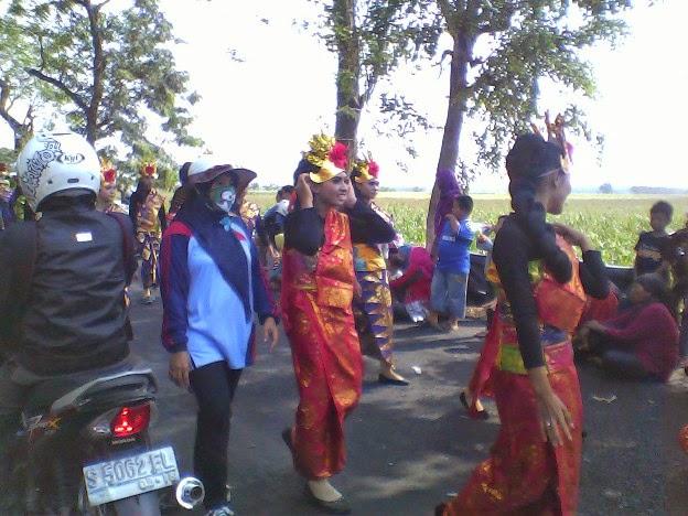 Foto Budaya Bali karnaval singgahan SMPN 1 Singgahan Tuban