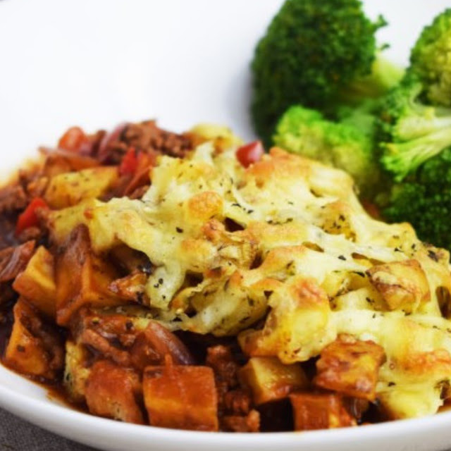 CRISPY ROAST POTATO AND BOLOGNESE BAKE