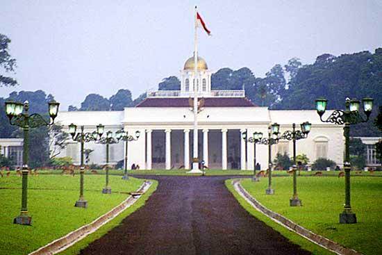 Istana Bogor, Jawa Barat | ONE WITH NATURE