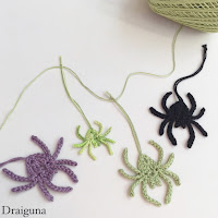 crochet spider and spiderling