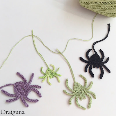 crochet spider and spiderling