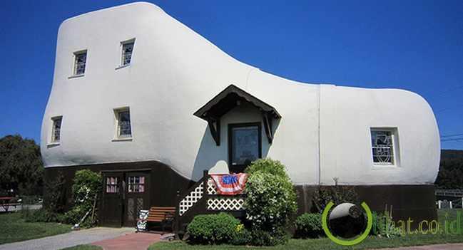 The Haines Shoe House (Pennsylvania, Amerika Serikat)