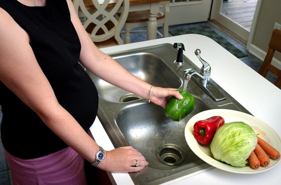 10 alimentos que debes evitar durante el embarazo