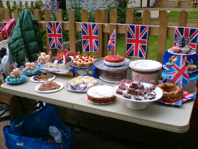 Union Jacks on the cake table Best British Gardening Blogs
