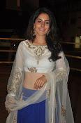 isha talwar latest glam pics-thumbnail-18