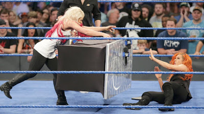 Alexa Bliss Becky Lynch WWE SmackDown Live Women's Championship TLC