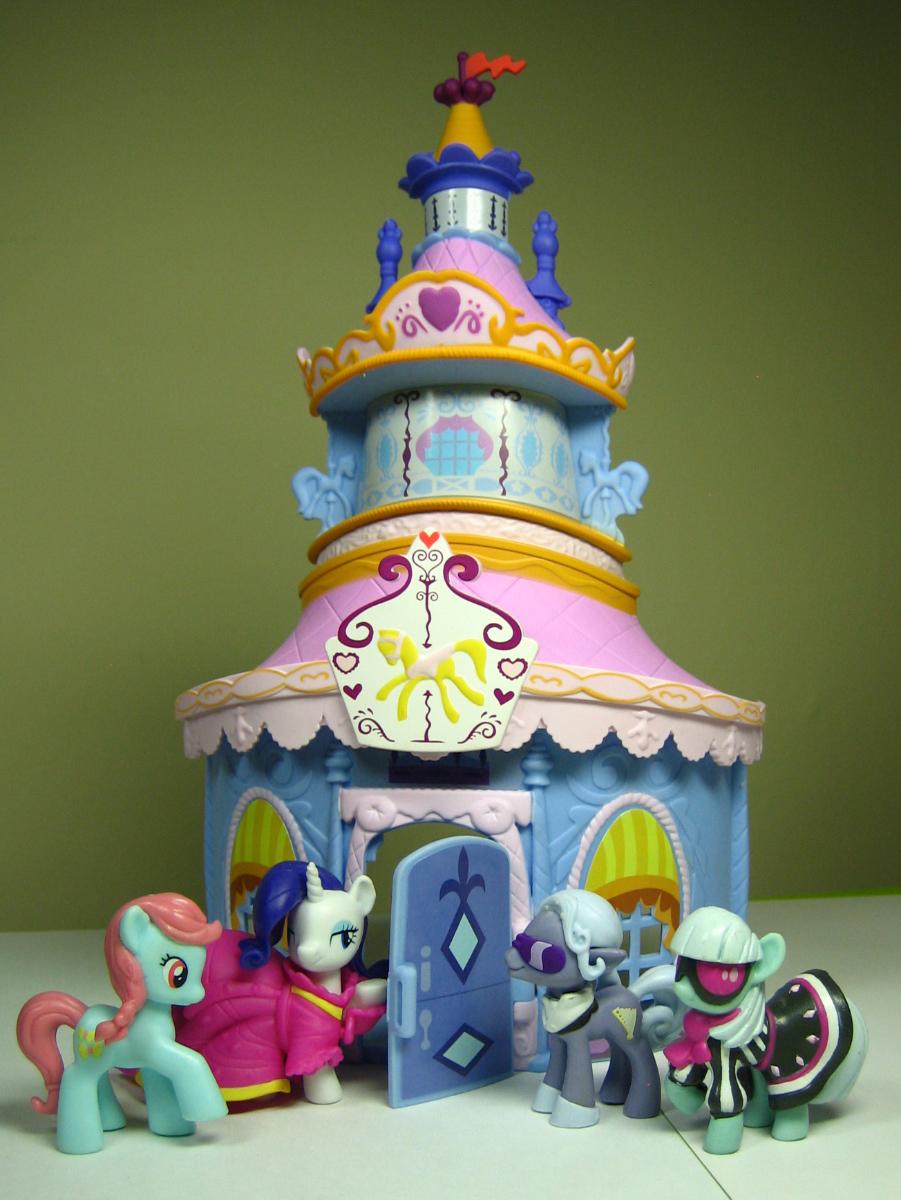 Carousel Boutique | Super Smash Bros. Toon Wikia | Fandom