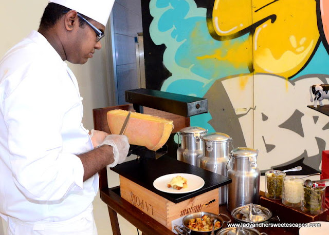 Oberoi Street Art Brunch raclette