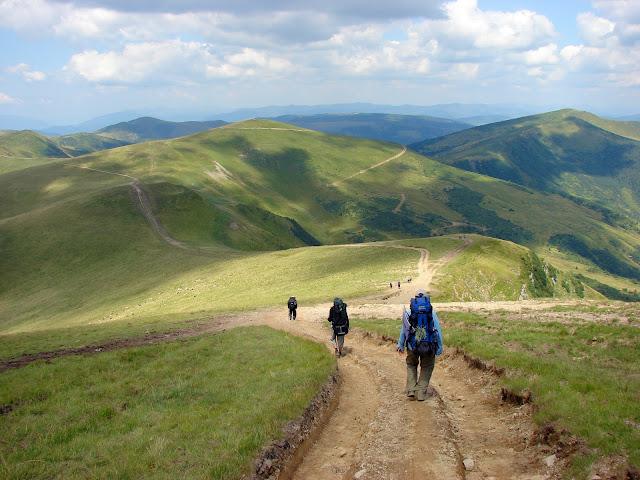 Спуск с горы Догяска в западном направлении