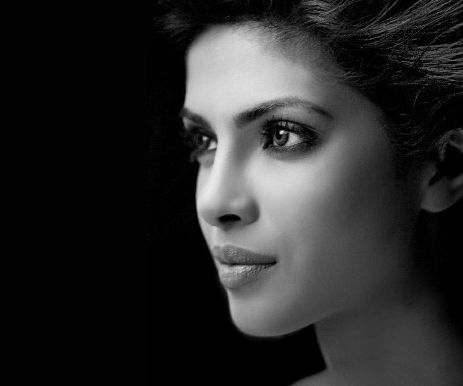 Bollywood Actress Priyanka Chopra HD Desktop Wallpapers