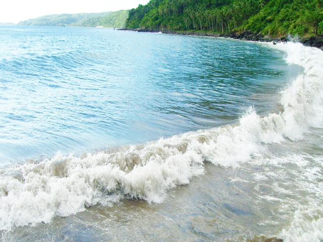 Bugsukan Waves Shaping the Shoreline