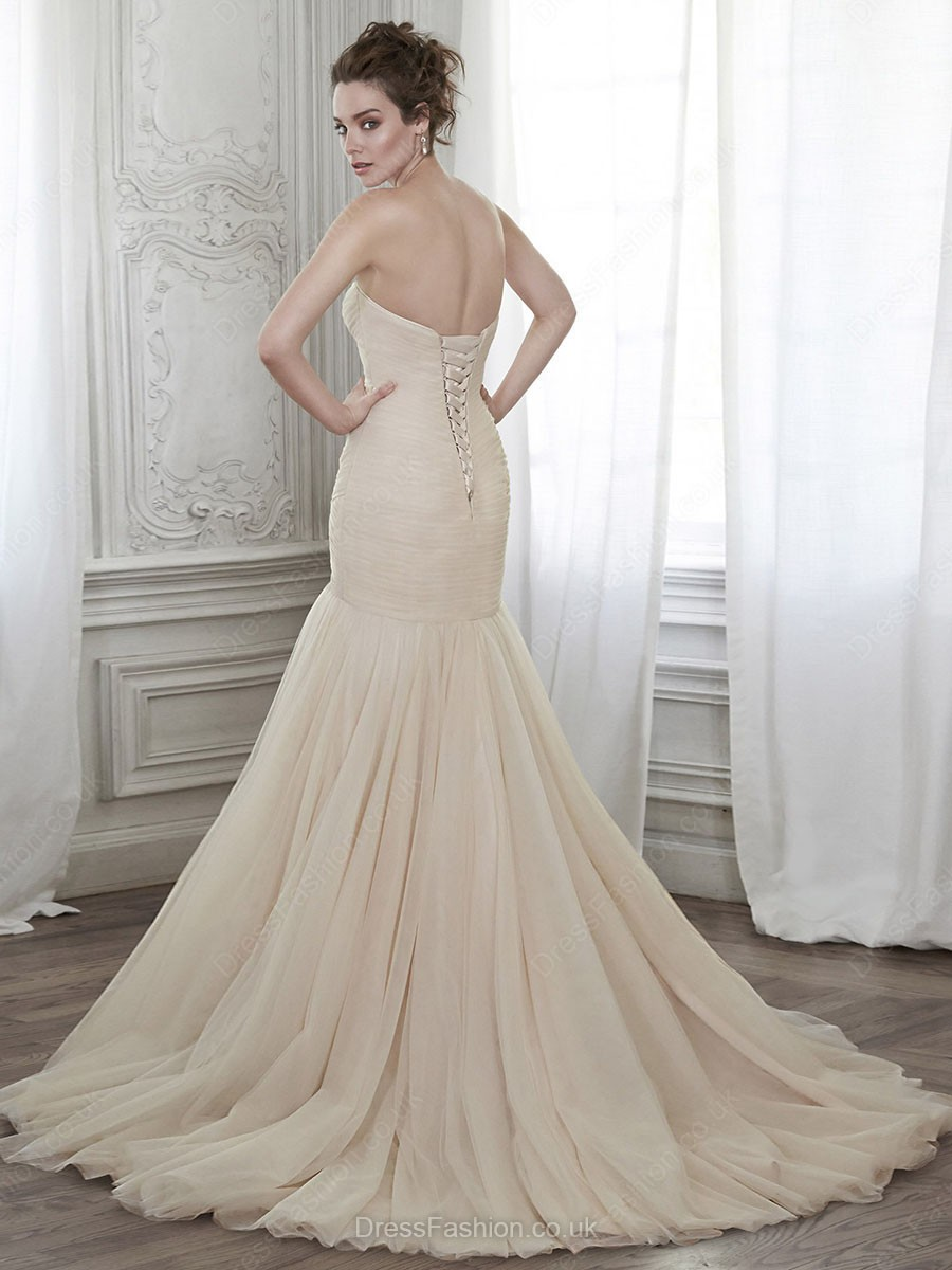 http://www.dressfashion.co.uk/product/different-trumpet-mermaid-lace-up-tulle-sashes-ribbons-sweetheart-wedding-dresses-ukm00022117-13716.html?utm_source=minipost&utm_medium=1173&utm_campaign=blog