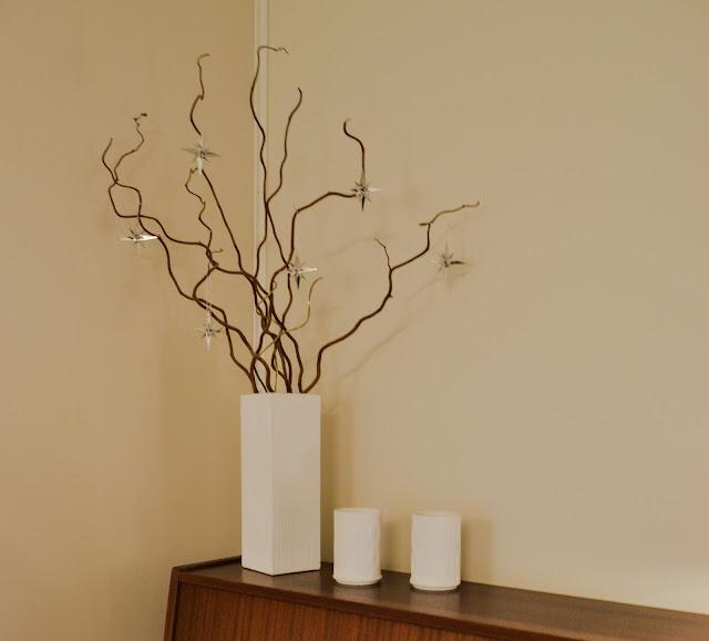 Saippuakuplia olohuoneessa- blogi, Kuva Hanna Poikkilehto, koti, sisustus, olohuone, peikonpähkinä,