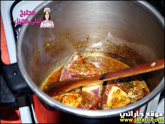 طبق لحم مخضر بالإجاص معسل بالطريقة المغربية