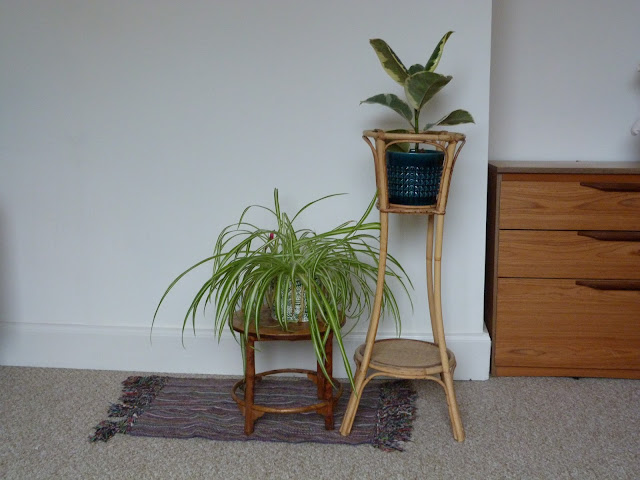 Retro plant stands, charity shopping.  secondhandsusie.blogspot.co.uk