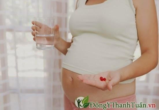 Bà bầu không nên lạm dụng thuốc khi mang thai