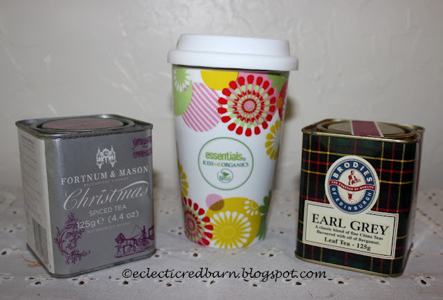Eclectic Red Barn: Kissme Organics Ceramic Tea Mug and different teas