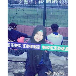 Ladies Viking Jilbab di stadion Siliwangi