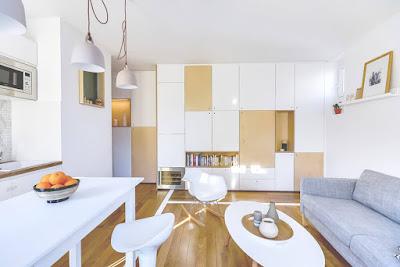 Căn hộ sử dụng tone màu sáng giúp căn hộ rộng hơn