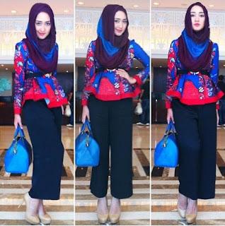 Gaya busana batik balutan hijab casual dian pelangi
