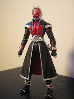 SH Figuarts Kamen Rider Wizard Flame Style 03