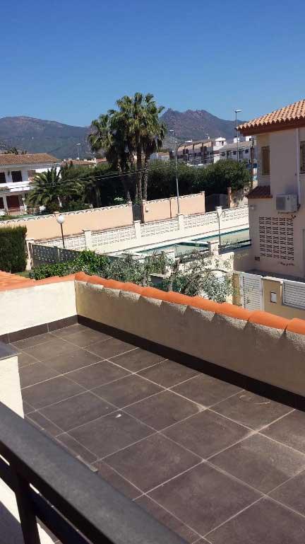 chalet adosado en venta benicasim calle doctor fleming terraza