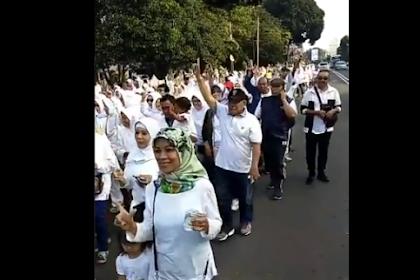 Relawan Prabowo-Sandi Sukses 'Putihkan' Jantung Kota Bogor