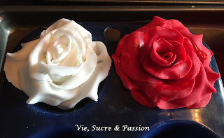 How to make Fondant Roses - Tutorial