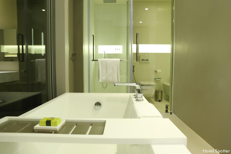 InterContinental Dubai Marina - recenzja hotelu - lazienka