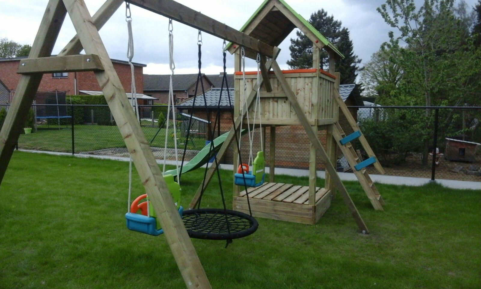 Speeltoestel Kleine Tuin : Speeltoestel in de tuin. hens constructs
