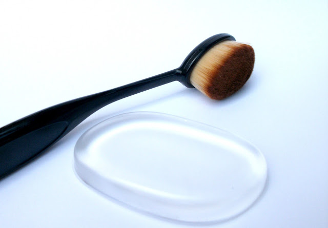 BeautyBigBang Oval Toothbrush Makeup Brush and Clear Silicone Sponge review