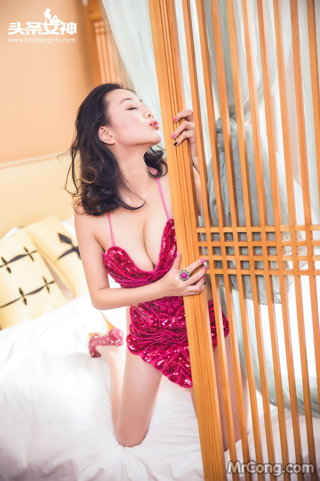 Image MrCong.com-TouTiao-2016-12-20-Zhang-Zi-Ran-001 in post TouTiao 2016-12-20: Người mẫu Zhang Zi Ran (张梓然) (30 ảnh)