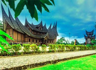 Istana Pagaruyung, Padang, Sumatera Barat