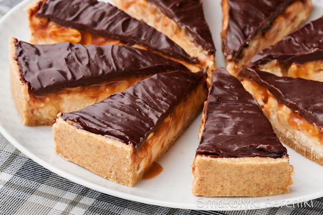 Tarta z mascarpone, orzeszkami, karmelem i czekoladą