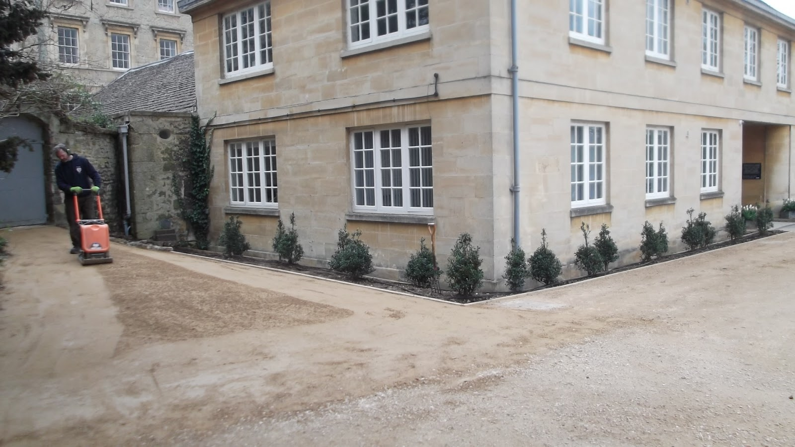 Worcester College Gardeners A New Path To The Fellow 39 S Garden