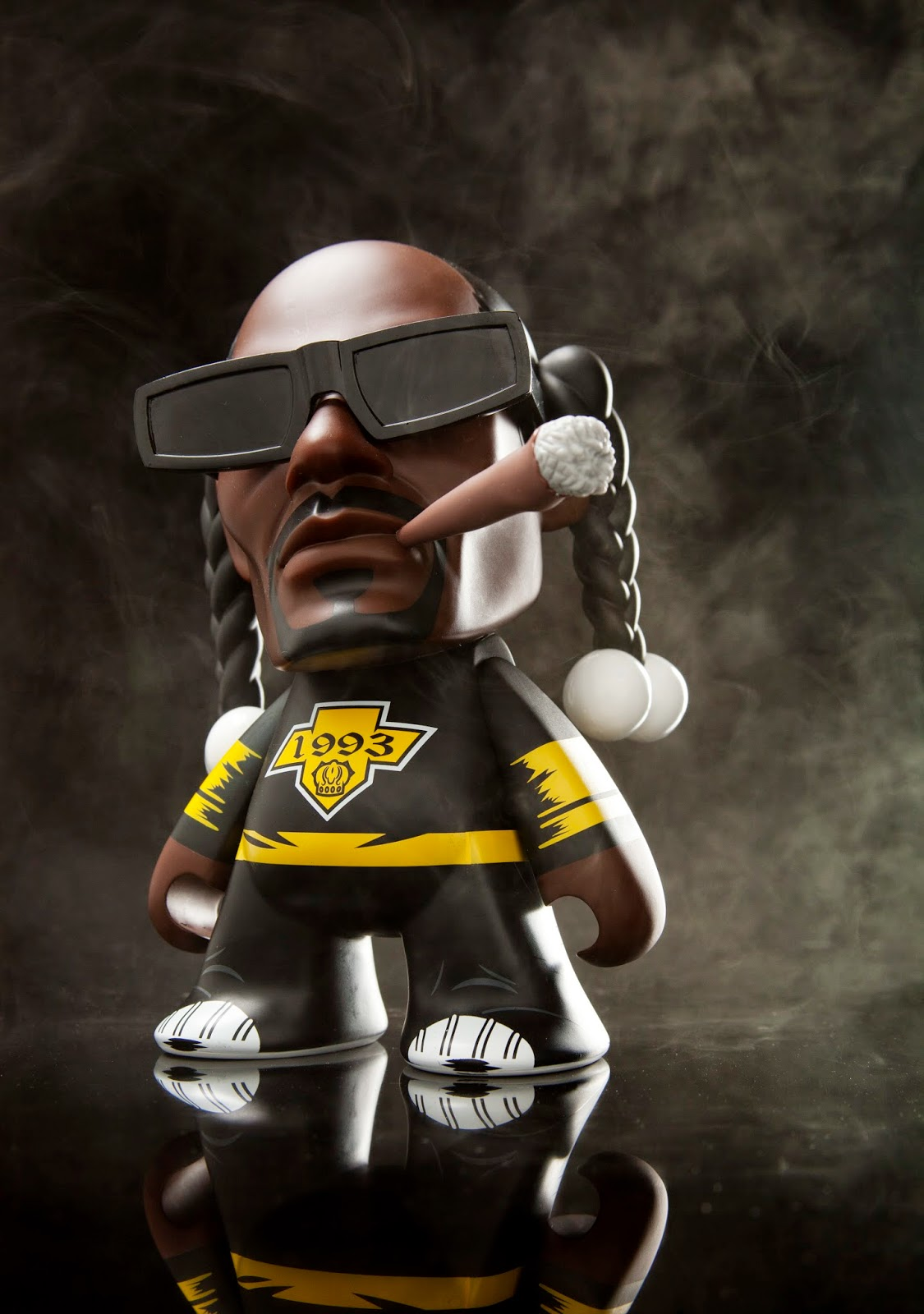 "Snoop Dogg 7"" Vinyl Figure by Kidrobot"