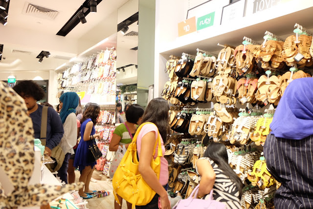belanja oleh-oleh di Singapore