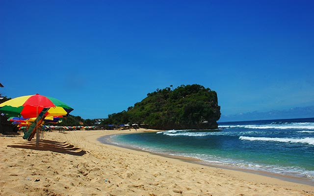 Pantai Indrayanti: Dari Gunungkidul yang Tersohor ke 12 ...