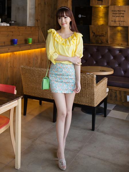 Model Rok Mini Korea Motif Floral Cantik dan Sexy