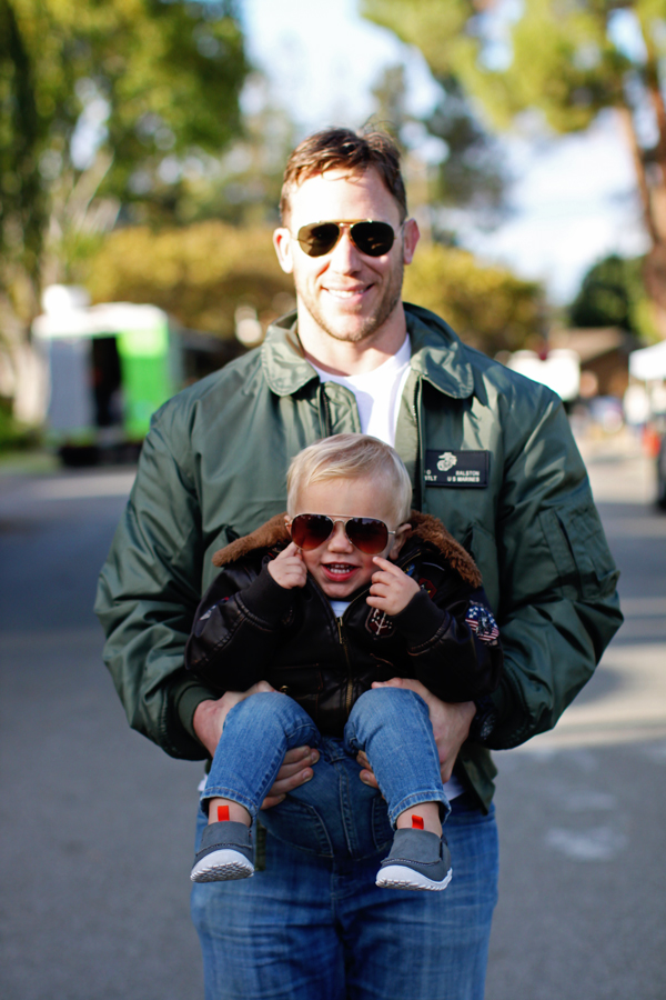 Playing, playing with the boys | Top Gun father-son costume