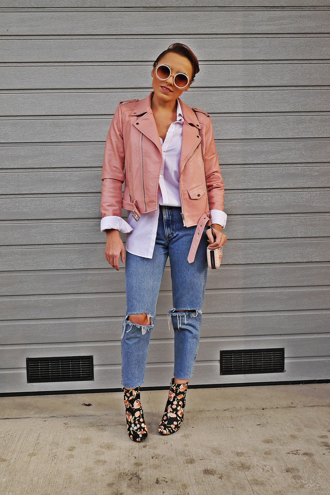 3_pink_leather_jacket_embroidery_boots_outfit_karyn_blog_modowy_271017w
