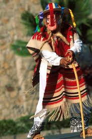 Foto al personaje de la danza de los viejitos