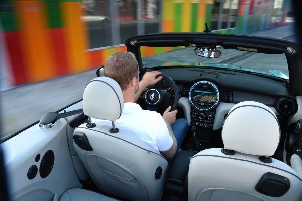 P90201608 lowRes mini cooper converti Το νέο MINI Cabrio Mini, MINI Cabrio, MINI Cooper Cabrio, MINI Cooper D Cabrio, MINI Cooper S Cabrio, videos