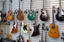klasifikasi macam - macam  gitar spesifikasi dan cara memainkannya