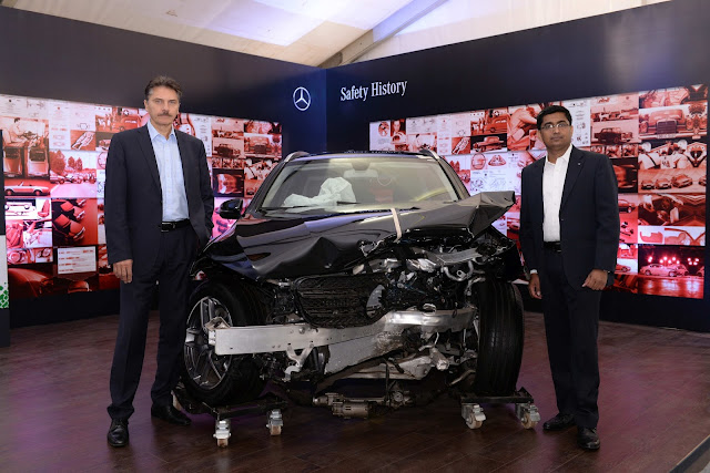 Prof. Schöneburg, Director Mercedes-Benz Cars, Development Safety, Durability, Corrosion Protection and Mr. Manu Saale, Managing Director (1)-min