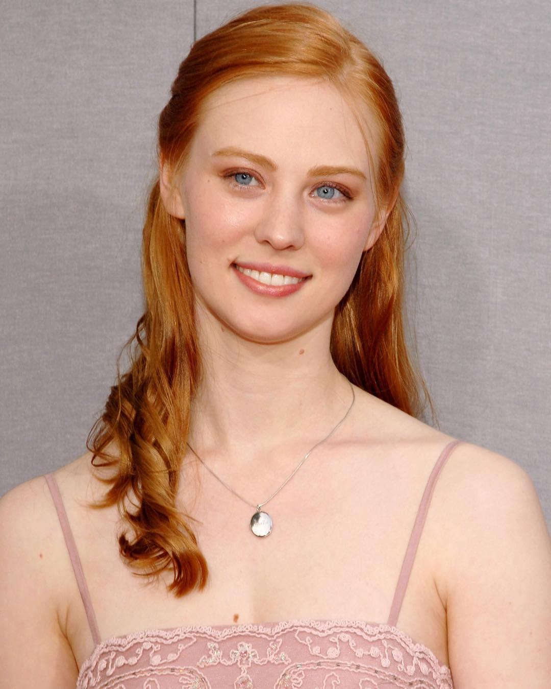 Deborah Ann Woll Photos - HD Actress Photo