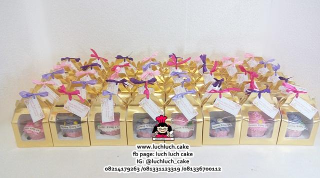 Souvenir Ulang Tahun Cupcake Buttercream